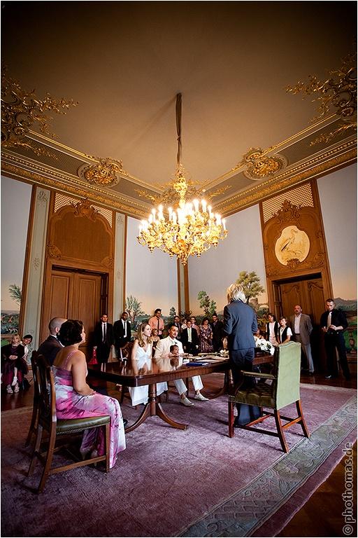 Hochzeitsfotos Hanau: Schloss Philippsruhe und auf der Ronneburg (3)