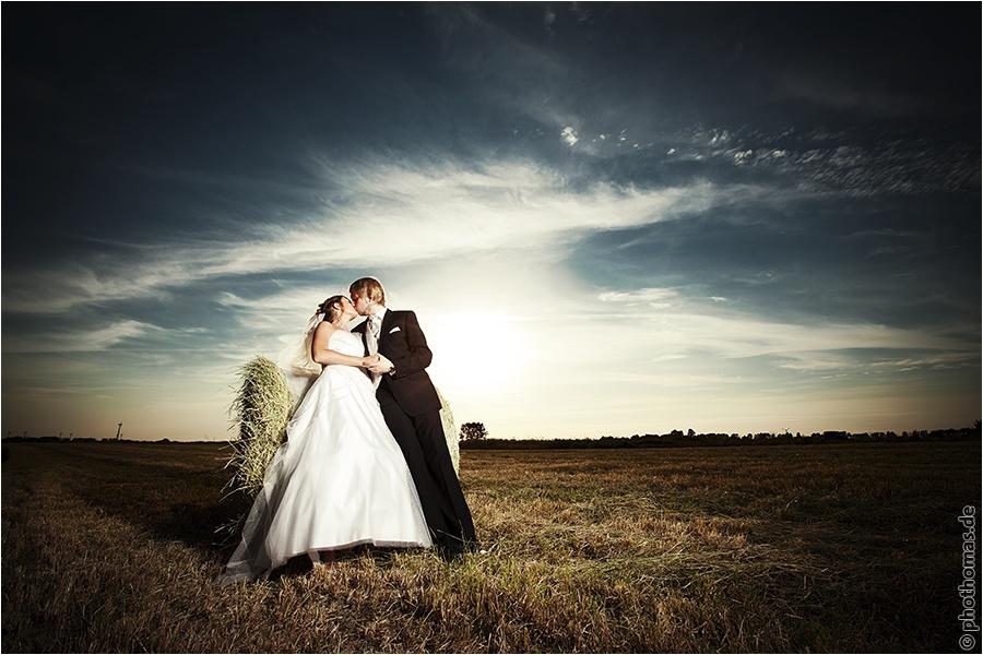 Hochzeitsfotograf Oldenburg: After Wedding Shooting für schöne Hochzeitsportraits am Strand der Nordsee (6)