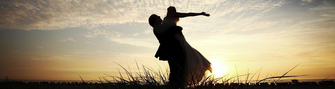 Hochzeitsfotograf Oldenburg: After Wedding Shooting für schöne Hochzeitsportraits am Strand der Nordsee (1)
