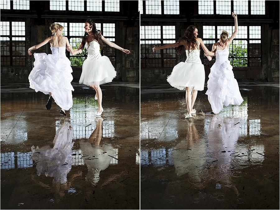 Hochzeitsfotograf Fulda: Trash the Dress mit mehreren Bräuten im Schwimmbad (4)
