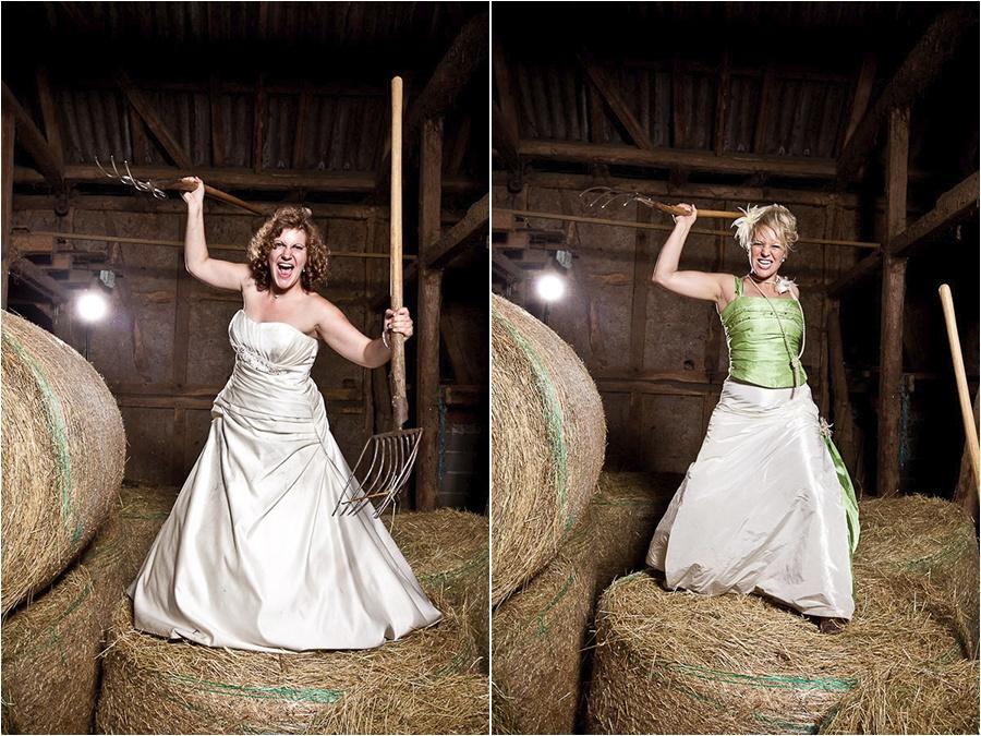 Hochzeitsfotograf Fulda: Trash the Dress mit mehreren Bräuten im Schwimmbad (9)