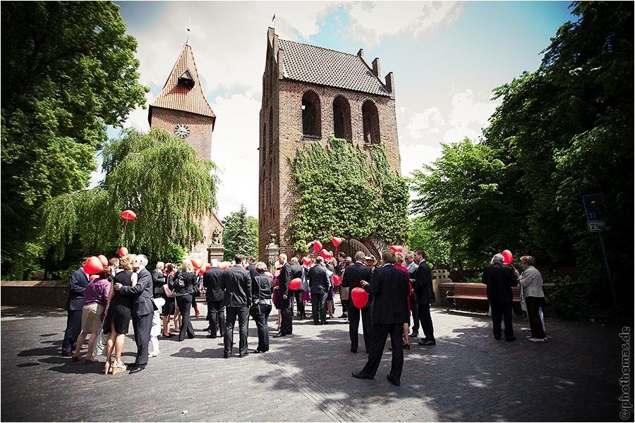 Hochzeitsfotograf Oldenburg und Rastede: Hochzeitsreportage in der St. Ulrichs Kirche und im Landhaus Etzhorn (17)