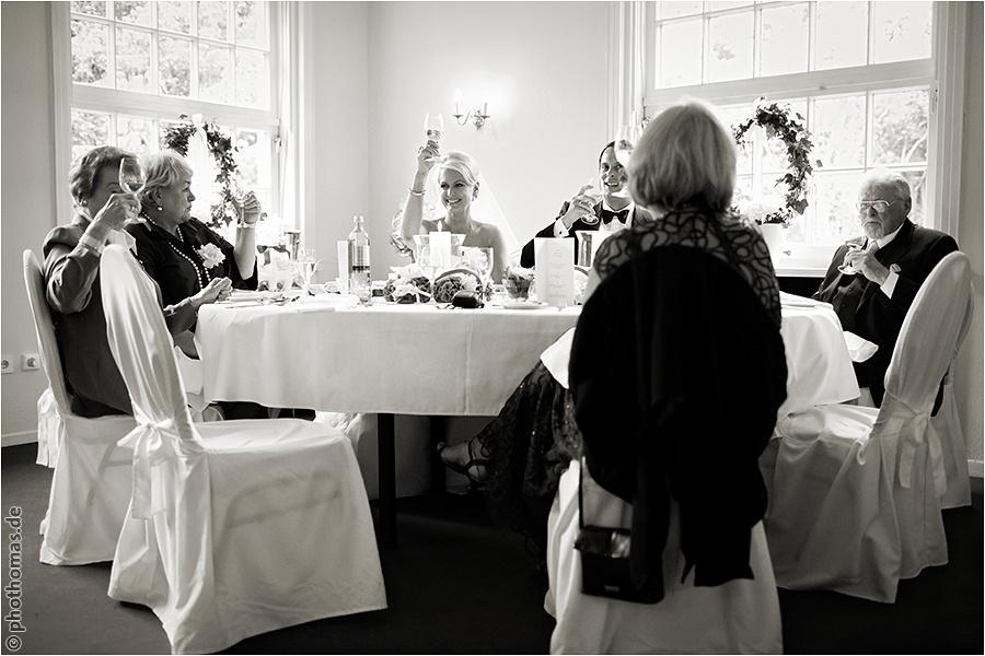 Hochzeitsfotograf Oldenburg und Rastede: Hochzeitsreportage in der St. Ulrichs Kirche und im Landhaus Etzhorn (43)