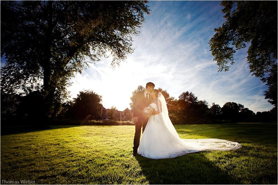 Hochzeitsfotograf Oldenburg: Hochzeitsreportage in Neukirchen-Vluyn und Hochzeitsfeier in der Schlussruine Hertefeld in Weeze (29)