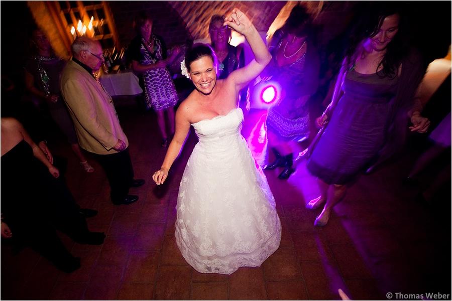 Hochzeitsfotograf Oldenburg: Hochzeitsreportage in Neukirchen-Vluyn und Hochzeitsfeier in der Schlussruine Hertefeld in Weeze (37)
