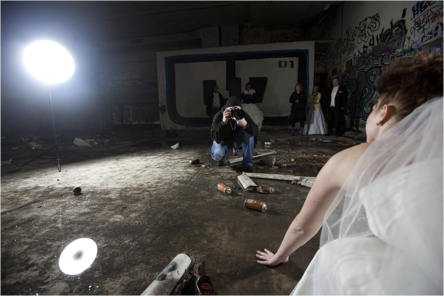 Hochzeitsfotograf Oldenburg: Trash the Dress Shooting im Olantis Huntebad Oldenburg (19)