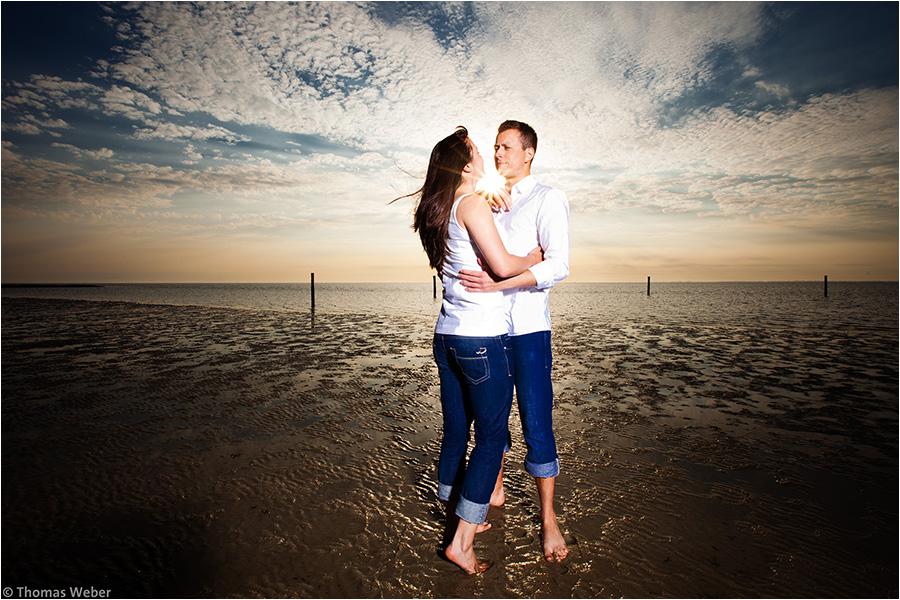 Hochzeitsfotograf Oldenburg: Verlobungs- und Engagement-Fotos am Strand von Greetsiel und Norddeich (10)