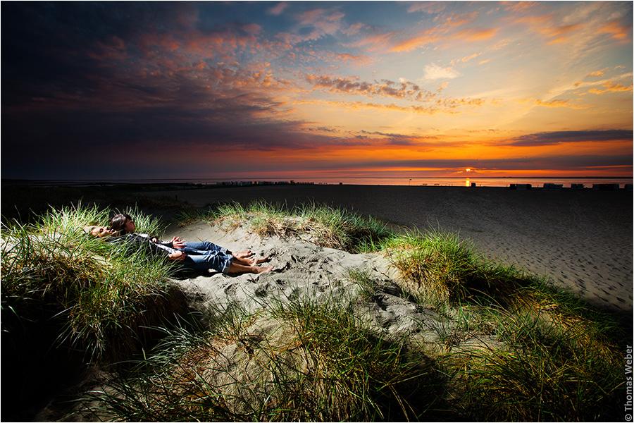 Hochzeitsfotograf Oldenburg: Verlobungs- und Engagement-Fotos am Strand von Greetsiel und Norddeich (13)