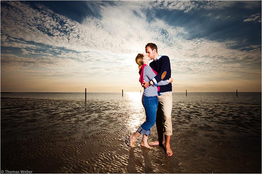 Hochzeitsfotograf Oldenburg: Verlobungs- und Engagement-Fotos am Strand von Greetsiel und Norddeich (17)