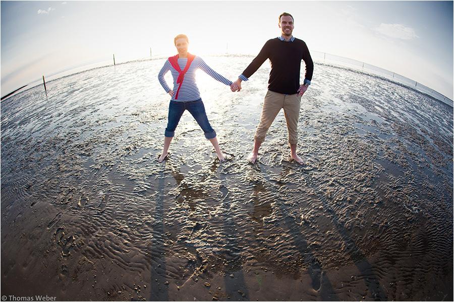 Hochzeitsfotograf Oldenburg: Verlobungs- und Engagement-Fotos am Strand von Greetsiel und Norddeich (19)