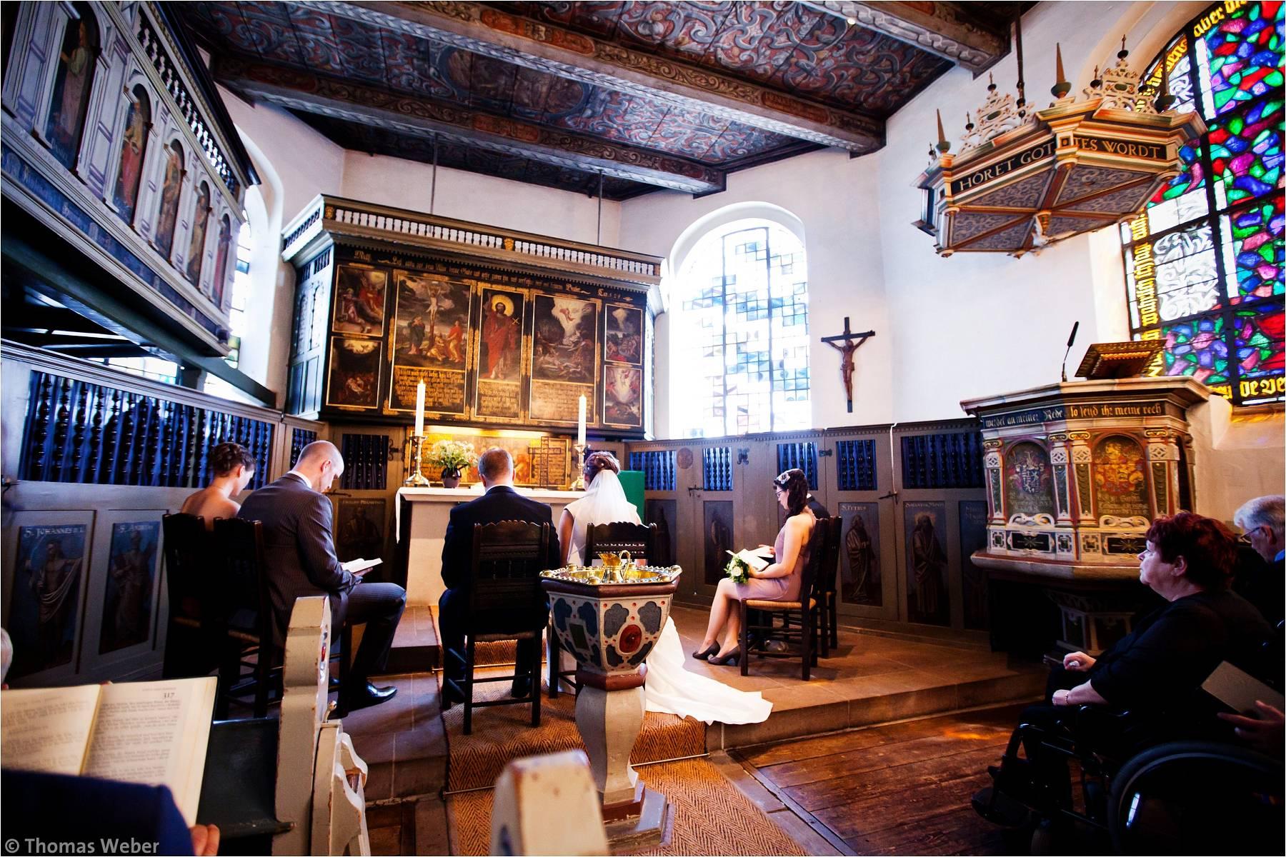 Hochzeitsfotograf Oldenburg: Kirchliche Trauung in der Dreifaltigkeitskirche und Feier im Etzhorner Krug (3)