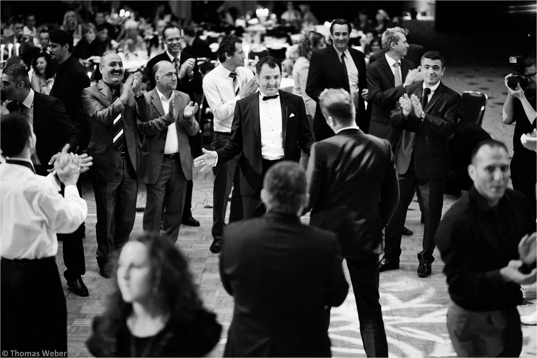 Hochzeitsfotograf Bremen: Türkische Hochzeit auf dem Lür Kropp Hof und Hochzeitsfeier im Maritim Hotel Bremen (21)