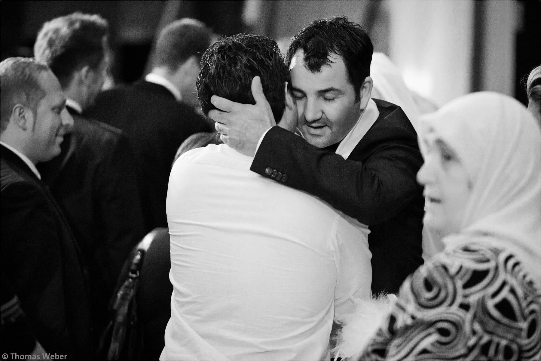 Hochzeitsfotograf Bremen: Türkische Hochzeit auf dem Lür Kropp Hof und Hochzeitsfeier im Maritim Hotel Bremen (27)