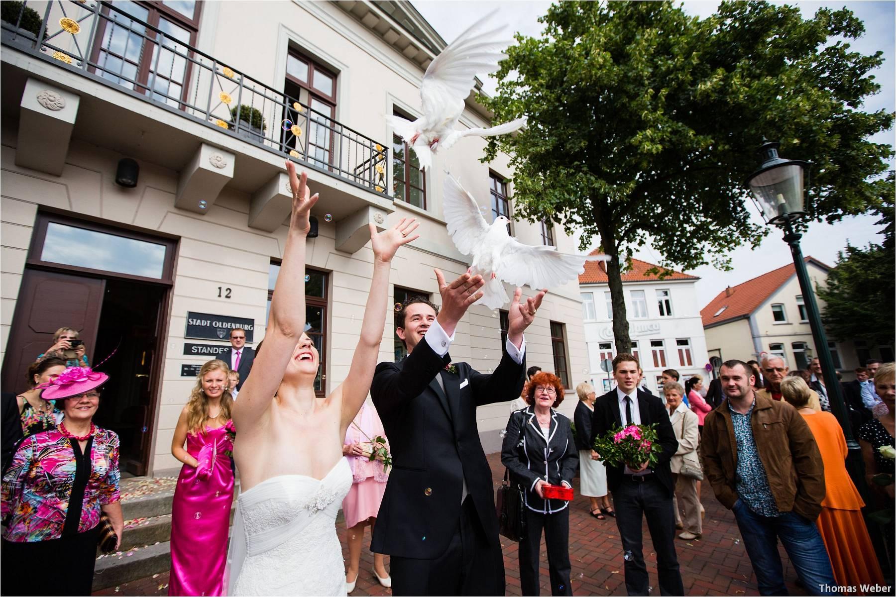 Hochzeitsfotograf Oldenburg: Russische Hochzeit im Standesamt am Pferdemarkt und Hochzeitsfeier im Landhaus Etzhorn (13)
