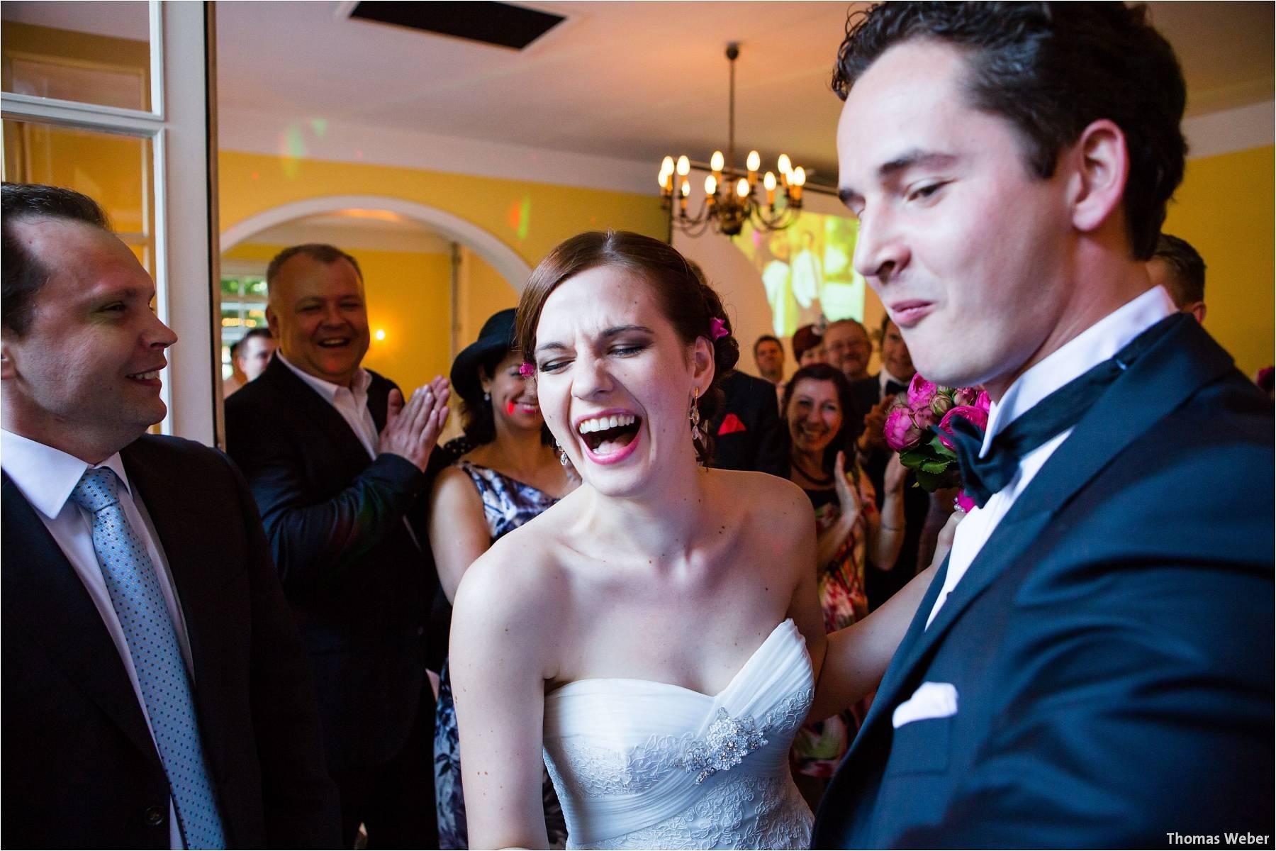 Hochzeitsfotograf Oldenburg: Russische Hochzeit im Standesamt am Pferdemarkt und Hochzeitsfeier im Landhaus Etzhorn (21)