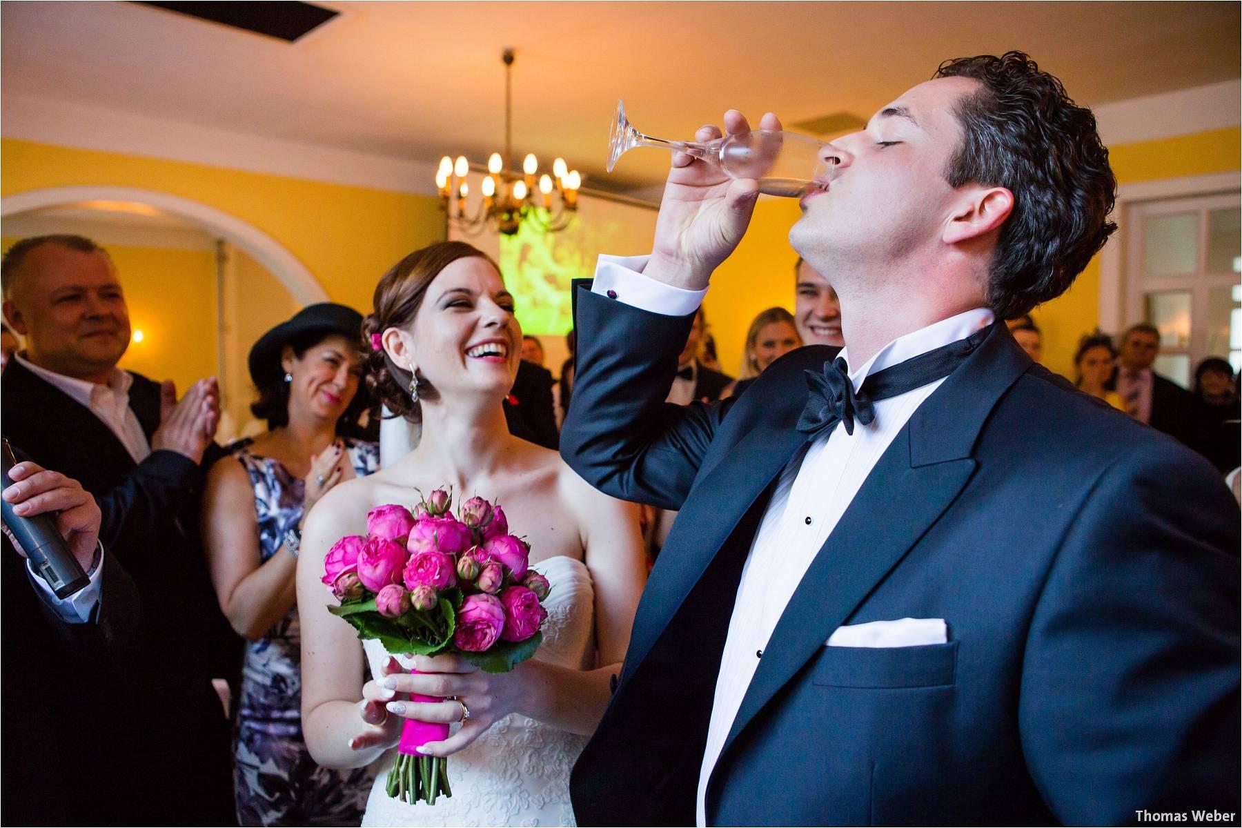 Hochzeitsfotograf Oldenburg: Russische Hochzeit im Standesamt am Pferdemarkt und Hochzeitsfeier im Landhaus Etzhorn (22)