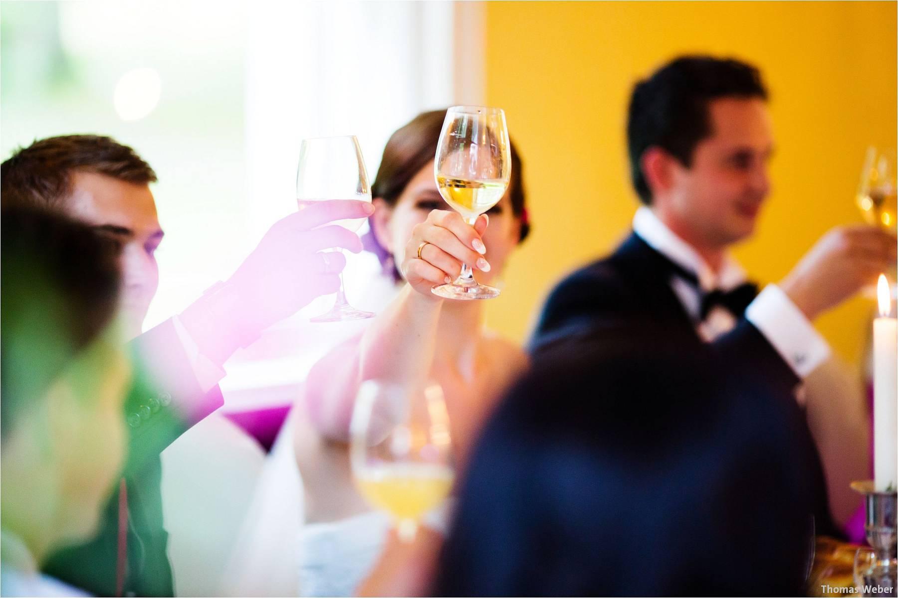 Hochzeitsfotograf Oldenburg: Russische Hochzeit im Standesamt am Pferdemarkt und Hochzeitsfeier im Landhaus Etzhorn (24)