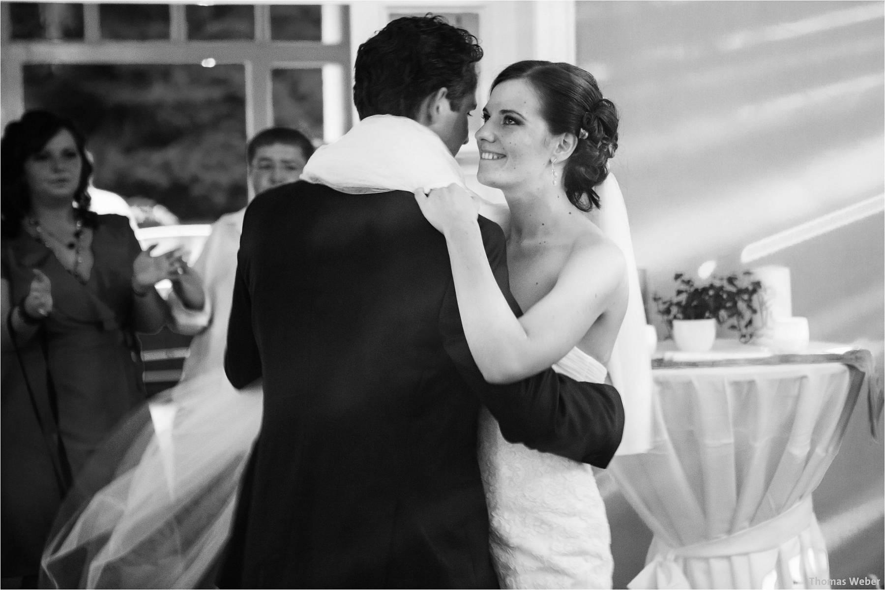 Hochzeitsfotograf Oldenburg: Russische Hochzeit im Standesamt am Pferdemarkt und Hochzeitsfeier im Landhaus Etzhorn (27)