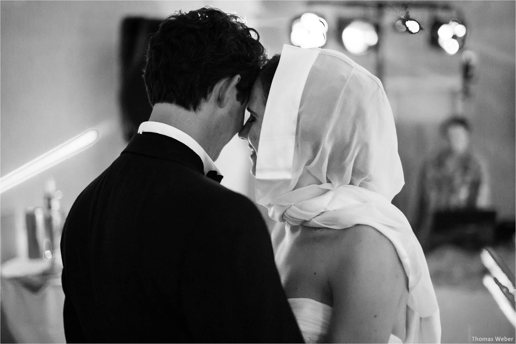 Hochzeitsfotograf Oldenburg: Russische Hochzeit im Standesamt am Pferdemarkt und Hochzeitsfeier im Landhaus Etzhorn (32)