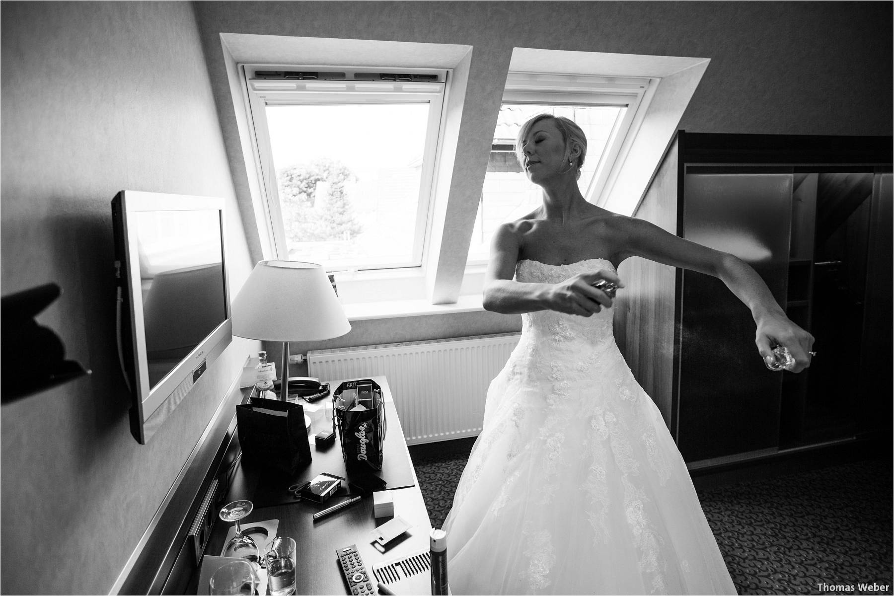Hochzeitsfotograf Oldenburg: Hochzeit im Zollhaus und in der Eventscheune St. Georg in Rastede (6)