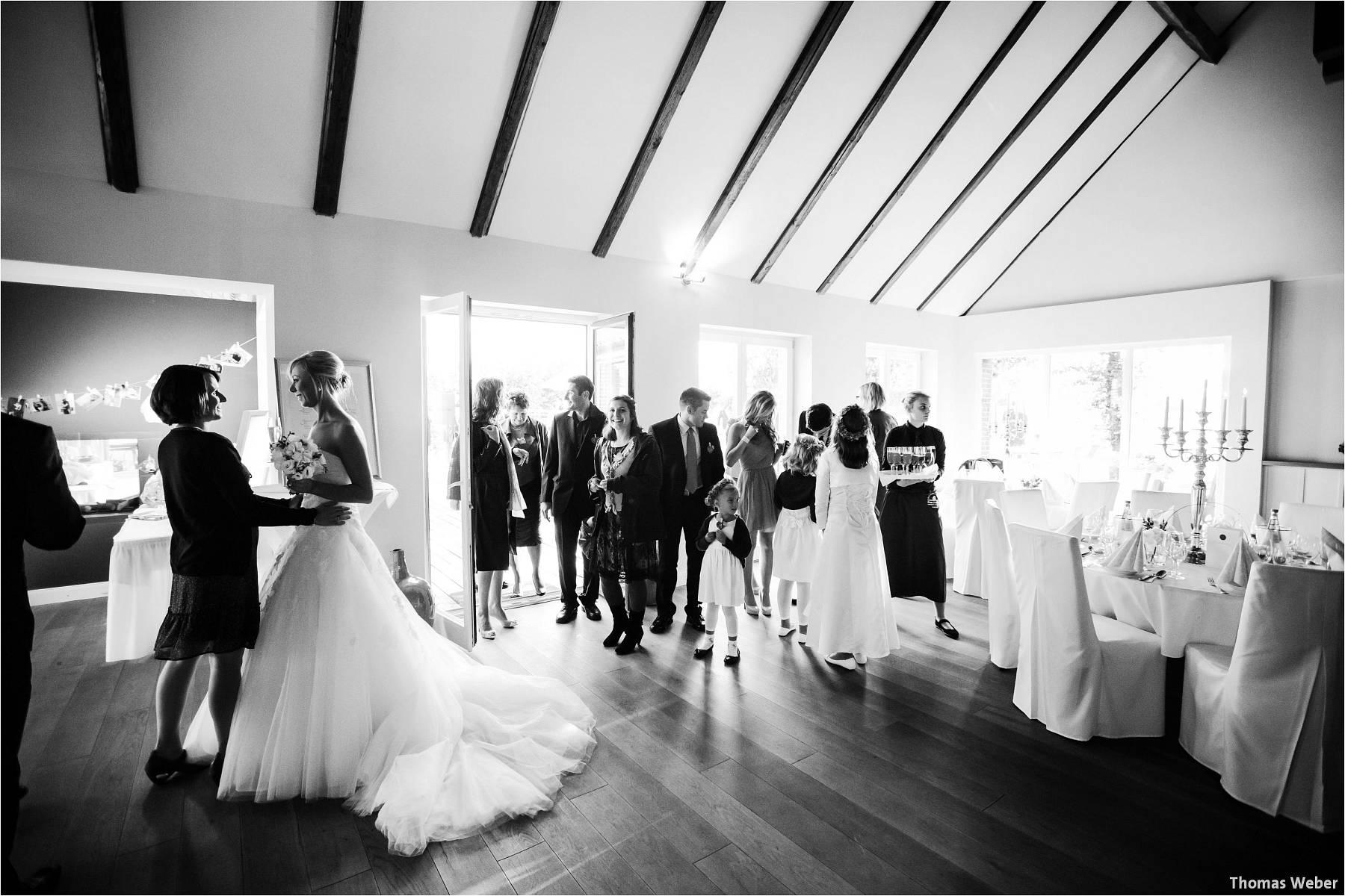 Hochzeitsfotograf Oldenburg: Hochzeit im Zollhaus und in der Eventscheune St. Georg in Rastede (33)