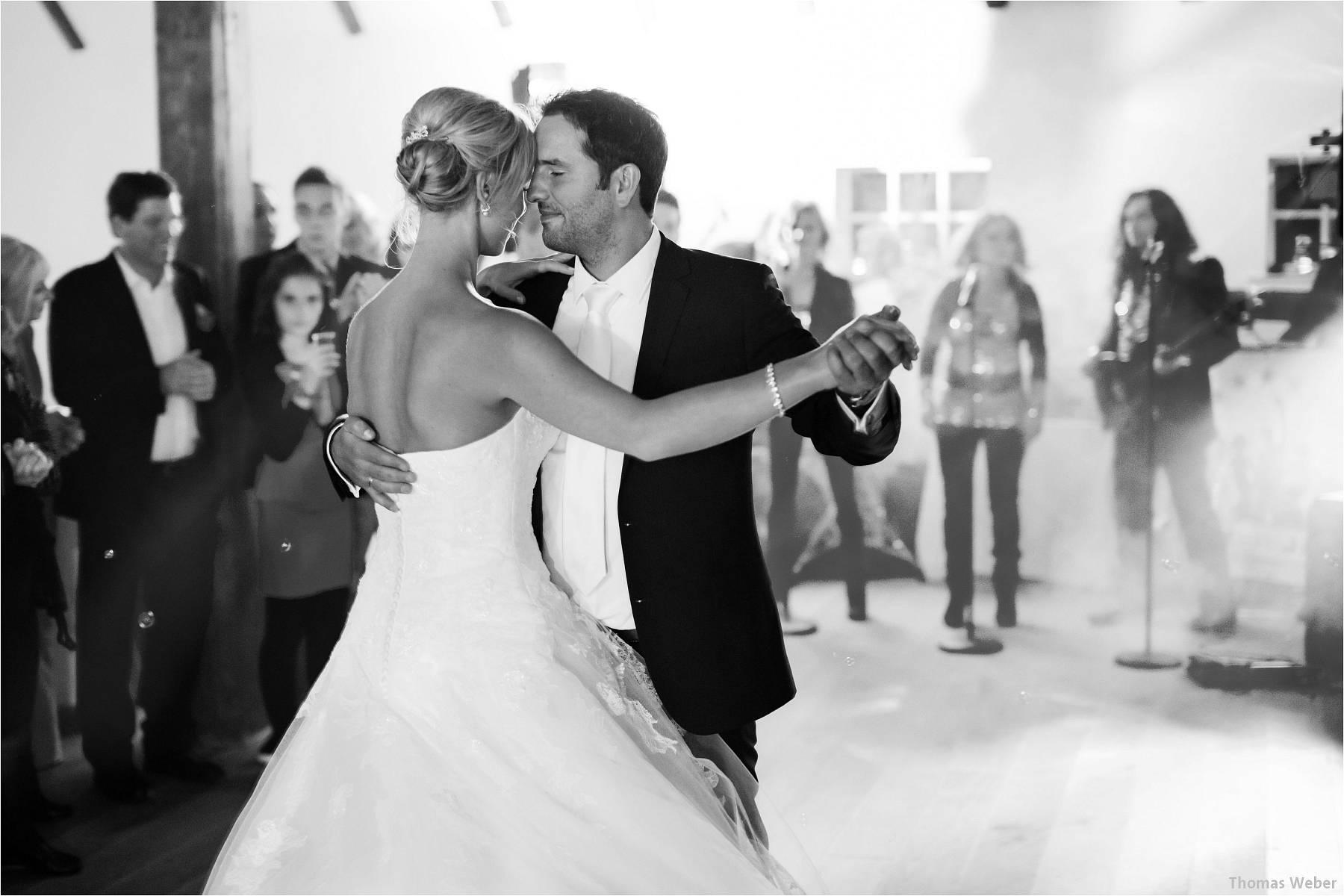 Hochzeitsfotograf Oldenburg: Hochzeit im Zollhaus und in der Eventscheune St. Georg in Rastede (41)