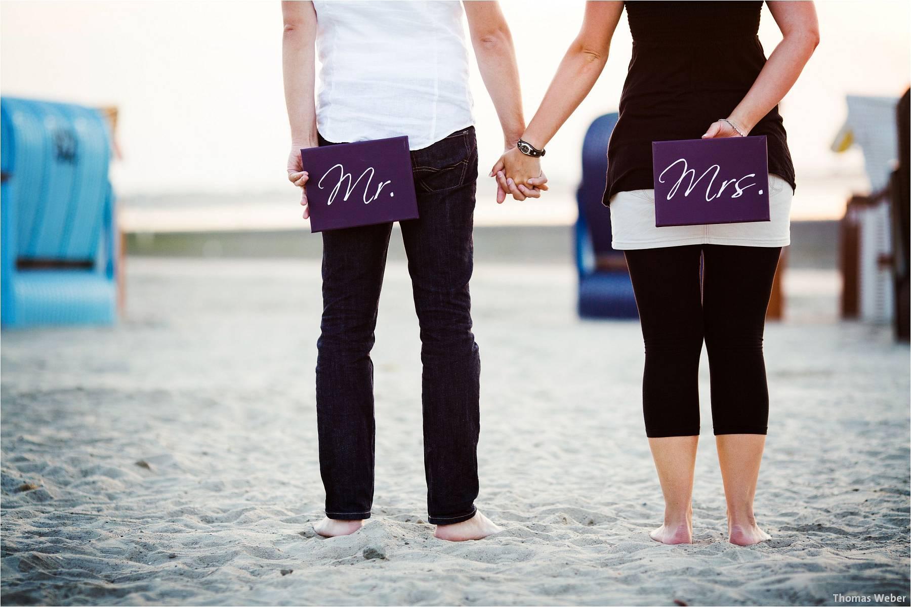 Hochzeitsfotograf Oldenburg: Engagement-Verlobungs-Paarfotos am Strand von Dangast/Varel an der Nordsee (1)