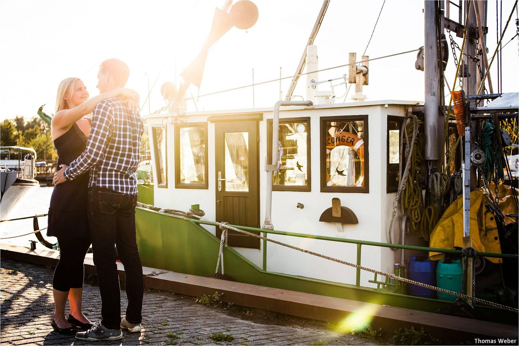 Hochzeitsfotograf Oldenburg: Engagement-Verlobungs-Paarfotos am Strand von Dangast/Varel an der Nordsee (2)