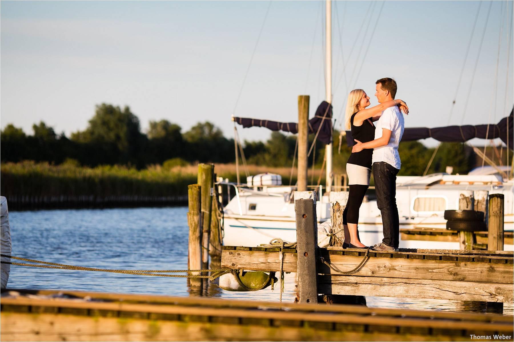 Hochzeitsfotograf Oldenburg: Engagement-Verlobungs-Paarfotos am Strand von Dangast/Varel an der Nordsee (7)