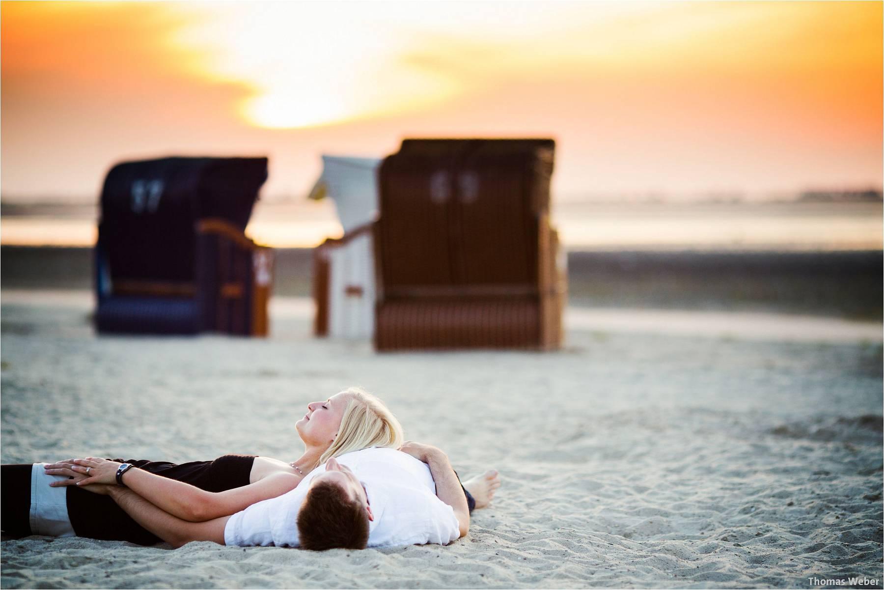 Hochzeitsfotograf Oldenburg: Engagement-Verlobungs-Paarfotos am Strand von Dangast/Varel an der Nordsee (8)