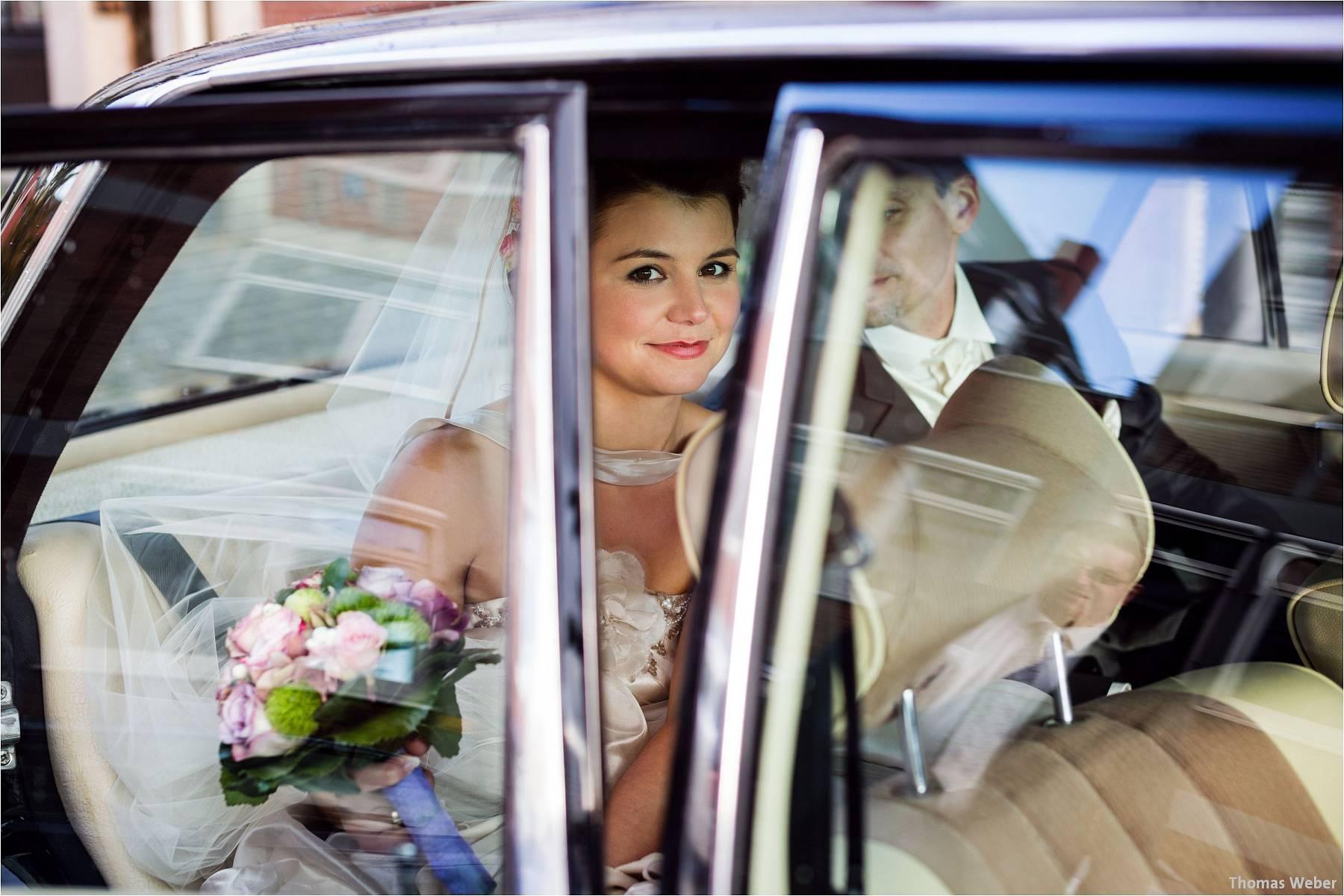 Hochzeitsfotograf Bremen: Kirchliche Trauung in der Propsteikirche St. Johann im Bremer Schnoor und Hochzeitsfeier bei Rogge Dünsen (2)