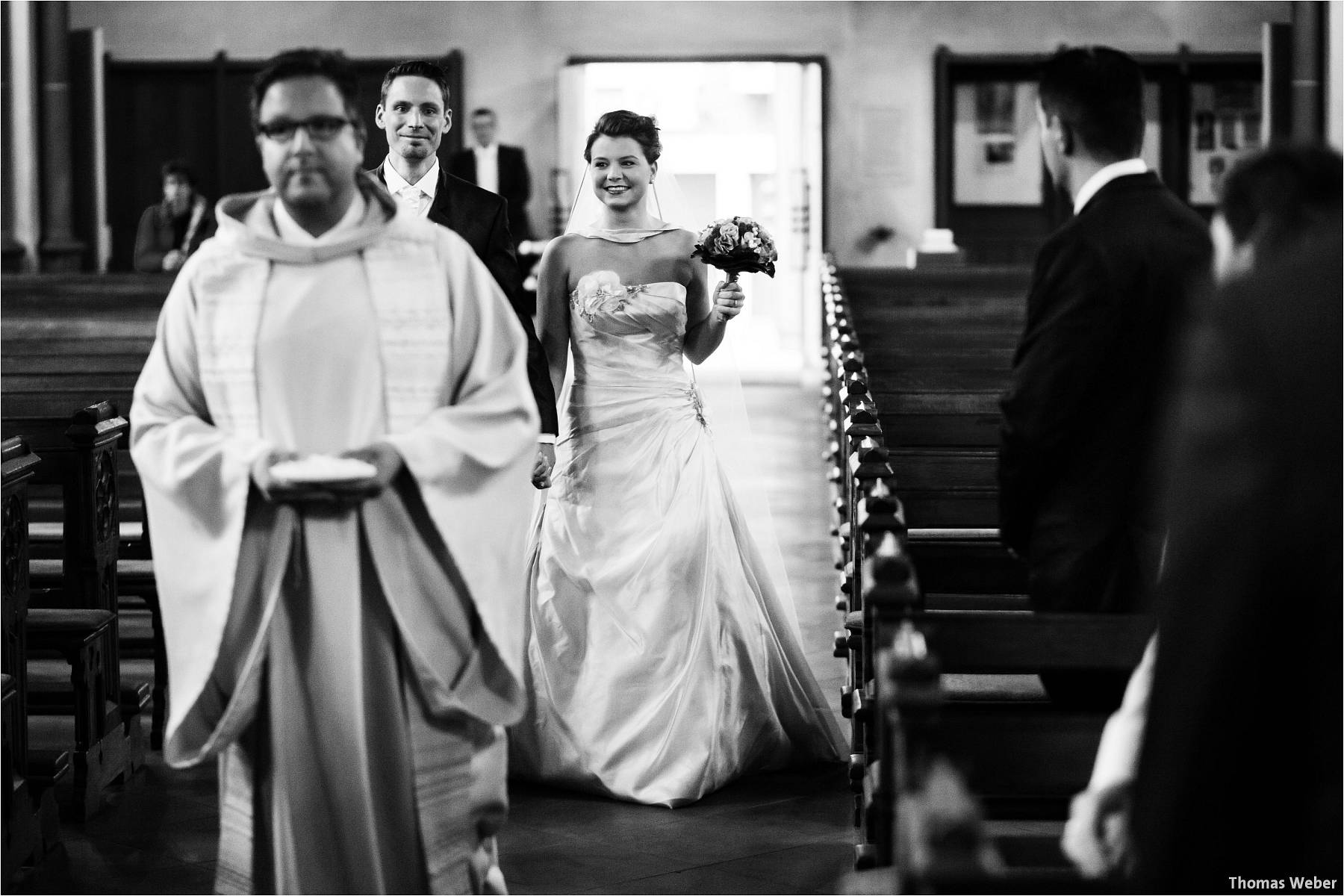 Hochzeitsfotograf Bremen: Kirchliche Trauung in der Propsteikirche St. Johann im Bremer Schnoor und Hochzeitsfeier bei Rogge Dünsen (4)