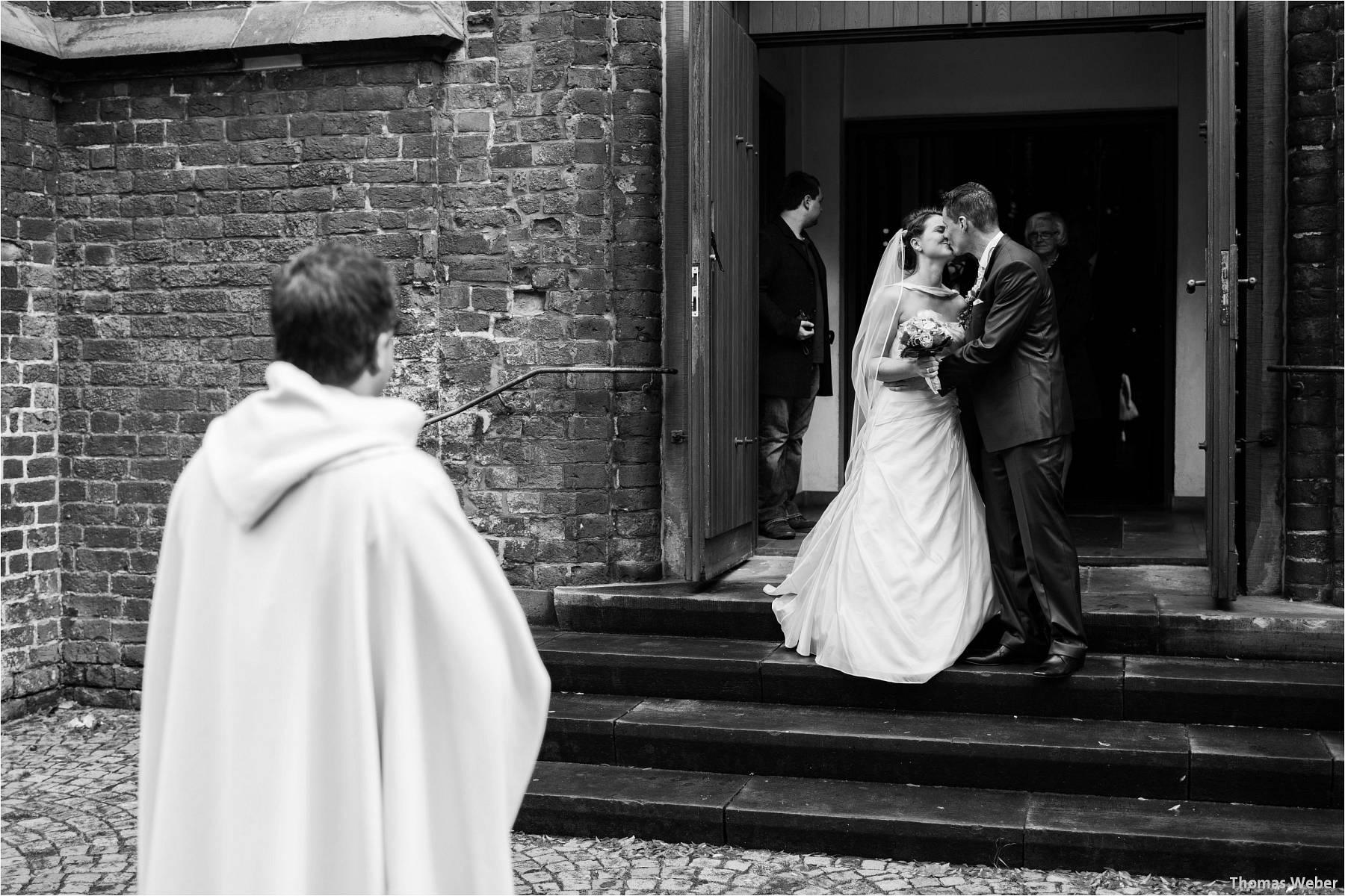 Hochzeitsfotograf Bremen: Kirchliche Trauung in der Propsteikirche St. Johann im Bremer Schnoor und Hochzeitsfeier bei Rogge Dünsen (14)