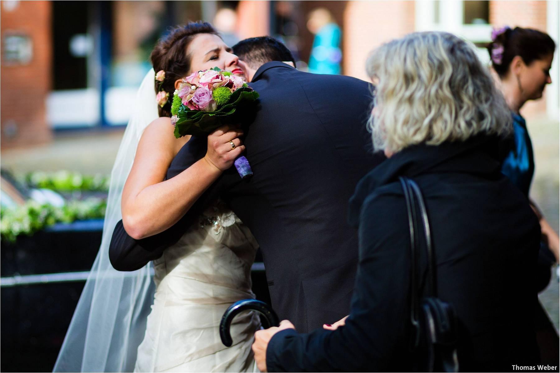 Hochzeitsfotograf Bremen: Kirchliche Trauung in der Propsteikirche St. Johann im Bremer Schnoor und Hochzeitsfeier bei Rogge Dünsen (15)
