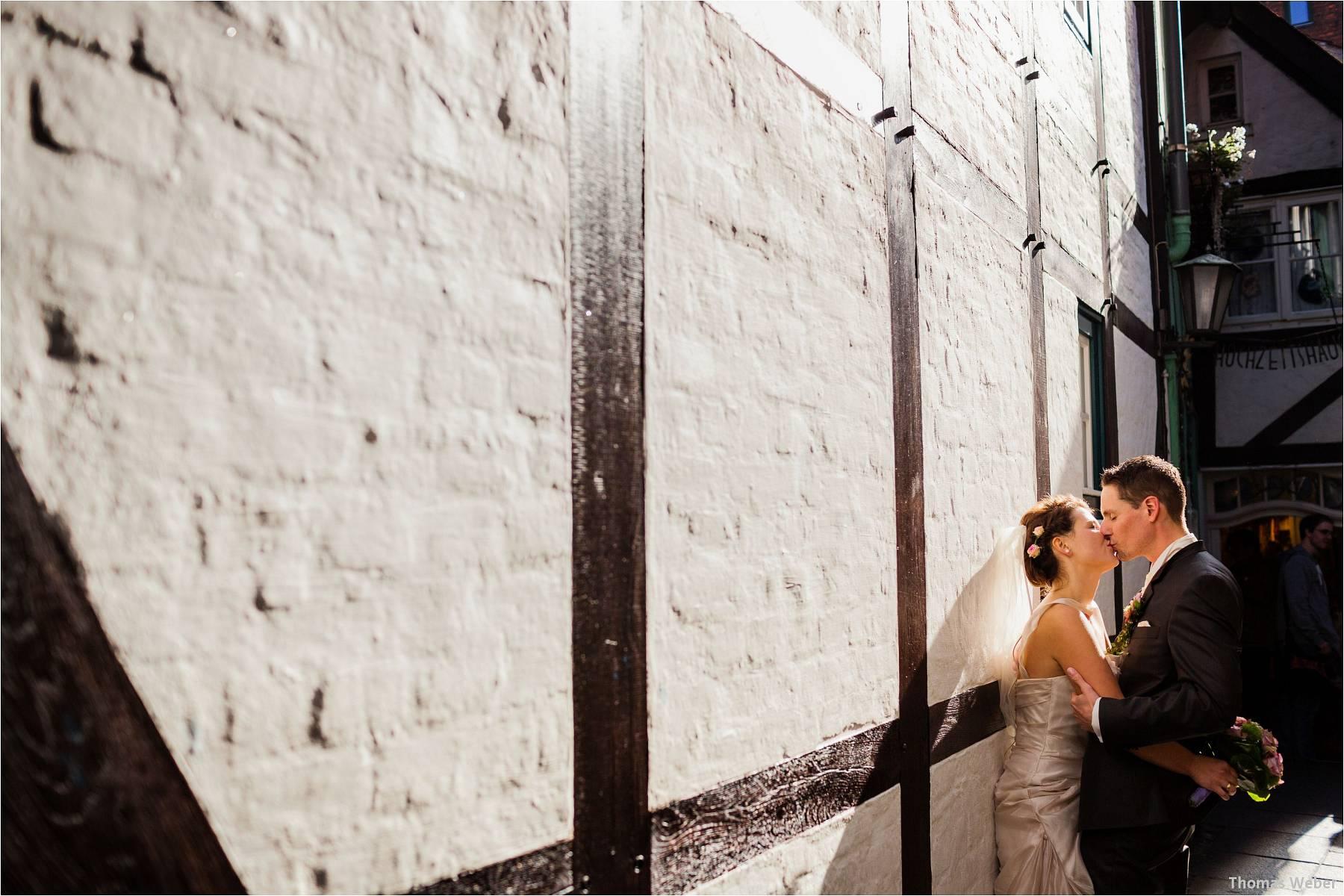 Hochzeitsfotograf Bremen: Kirchliche Trauung in der Propsteikirche St. Johann im Bremer Schnoor und Hochzeitsfeier bei Rogge Dünsen (20)