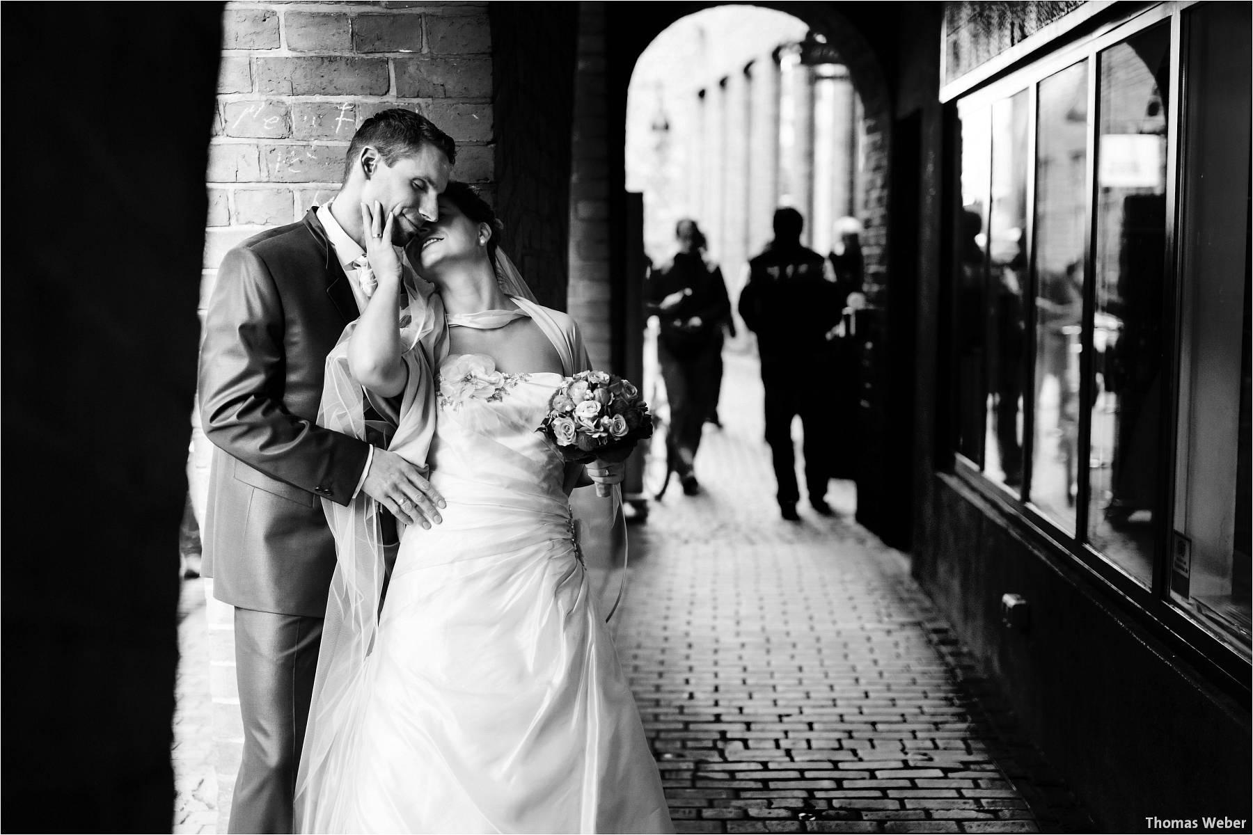 Hochzeitsfotograf Bremen: Kirchliche Trauung in der Propsteikirche St. Johann im Bremer Schnoor und Hochzeitsfeier bei Rogge Dünsen (26)