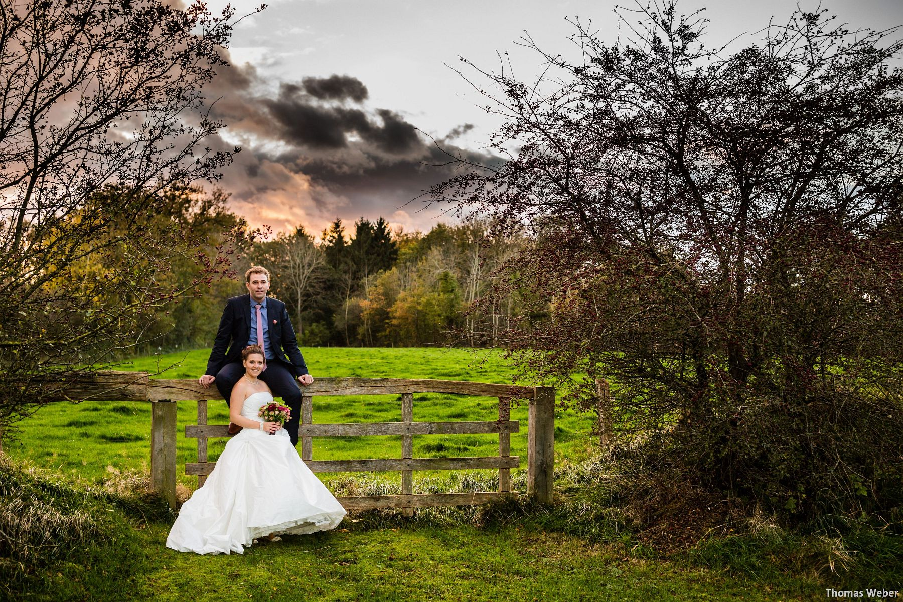 Hochzeitsfotograf Papenburg: Hochzeitsfotos während eines Orkans auf dem Gut Altenkamp