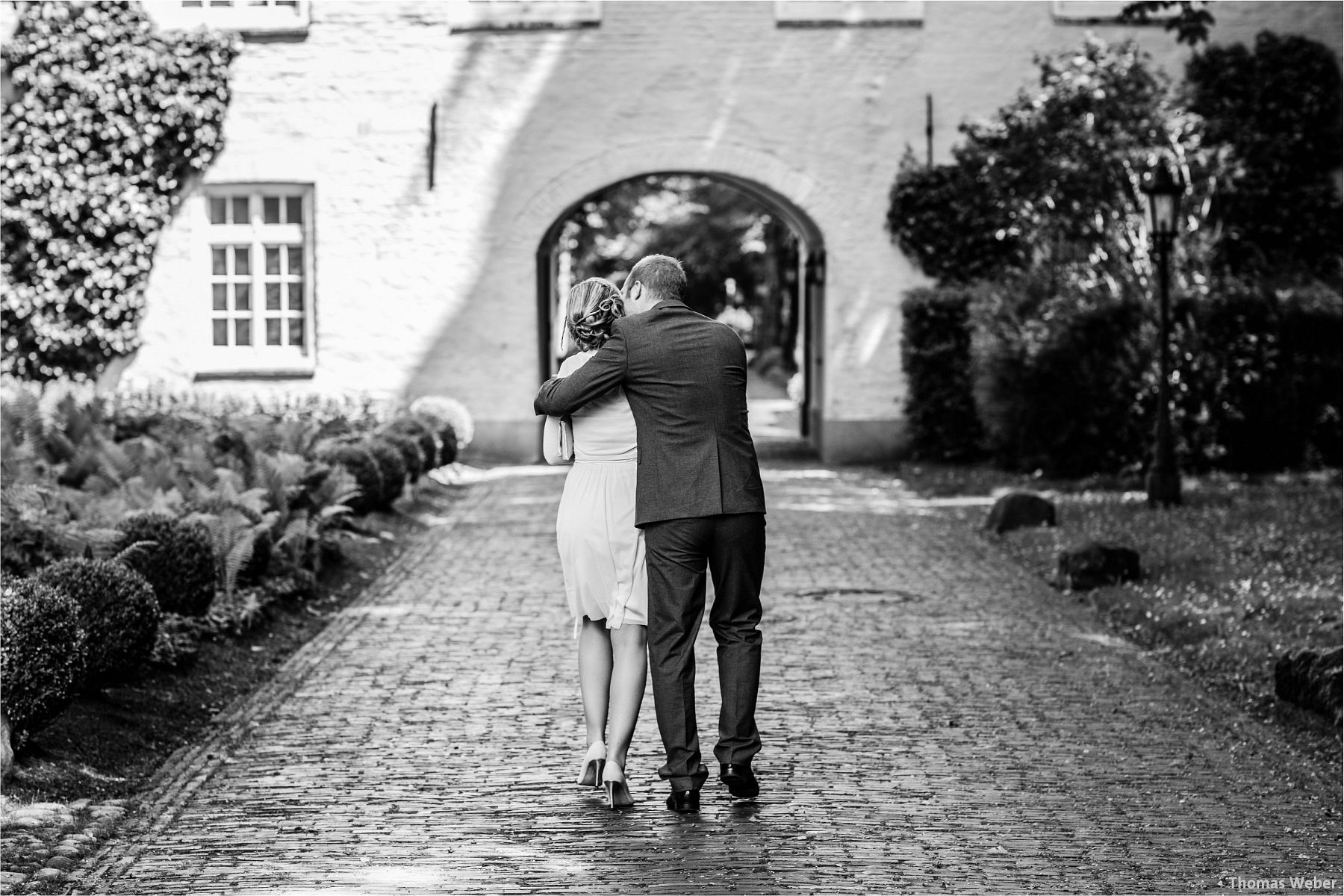 Hochzeitsfotograf Papenburg: Standesamtliche Trauung auf der Burg Kniphausen und Feier im Le Patron am Meer (19)