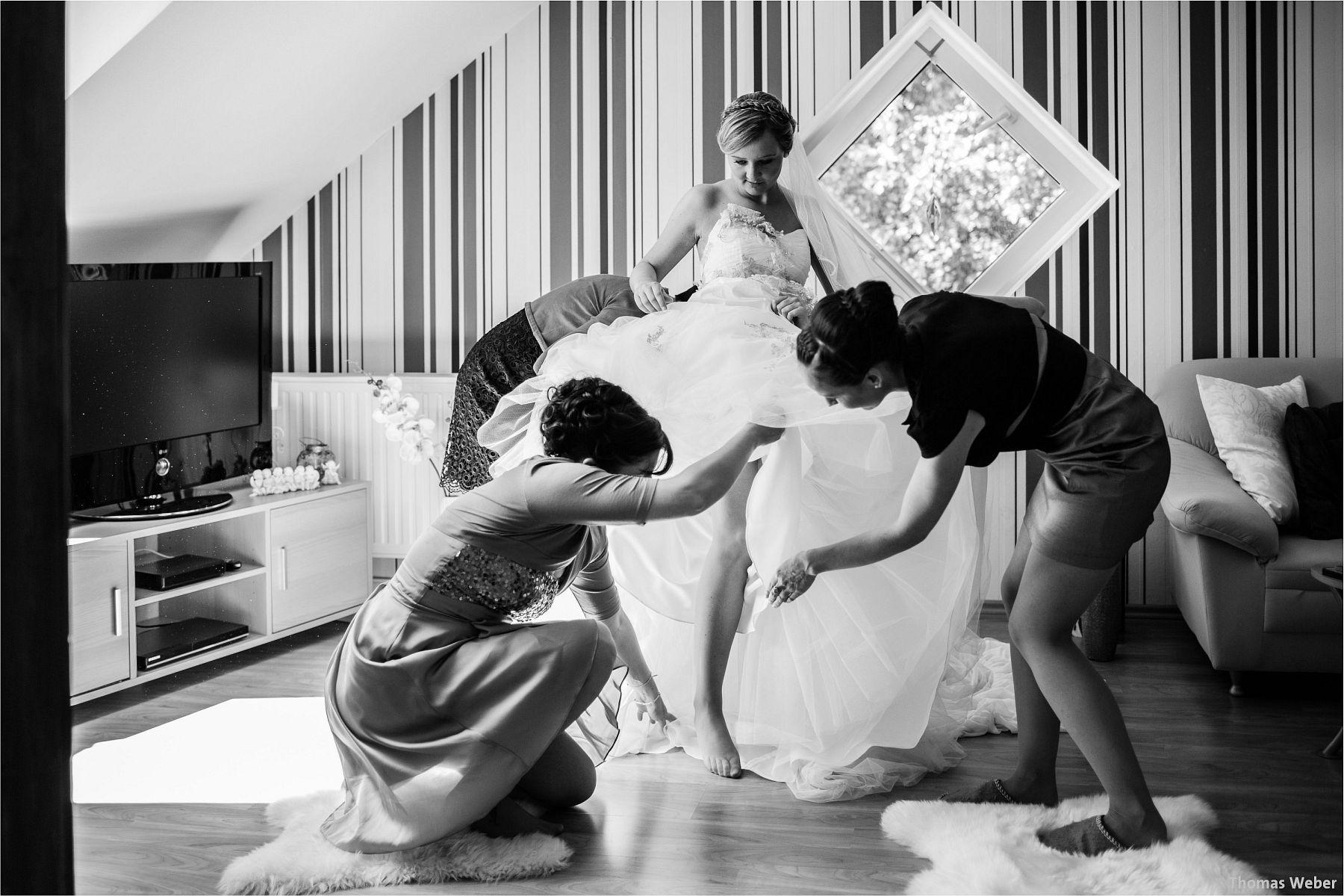 Hochzeitsfotograf Papenburg: Standesamtliche Trauung auf der Burg Kniphausen und Feier im Le Patron am Meer (22)