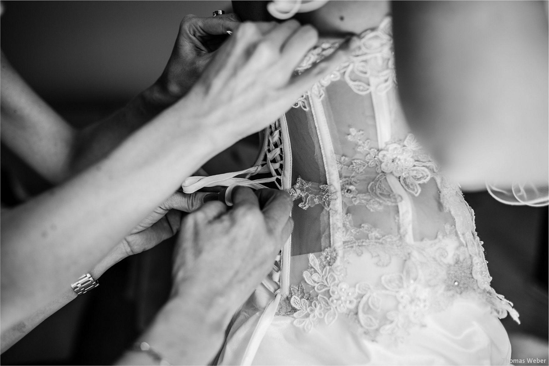 Hochzeitsfotograf Papenburg: Standesamtliche Trauung auf der Burg Kniphausen und Feier im Le Patron am Meer (24)