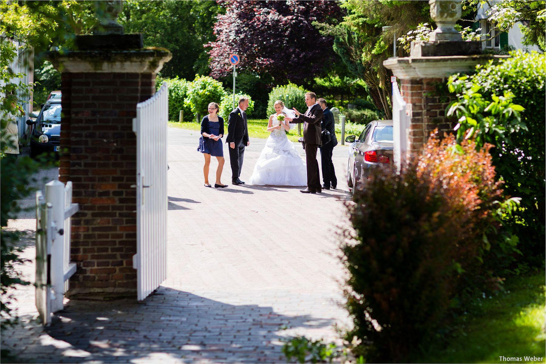 Hochzeitsfotograf Papenburg: Standesamtliche Trauung auf der Burg Kniphausen und Feier im Le Patron am Meer (25)