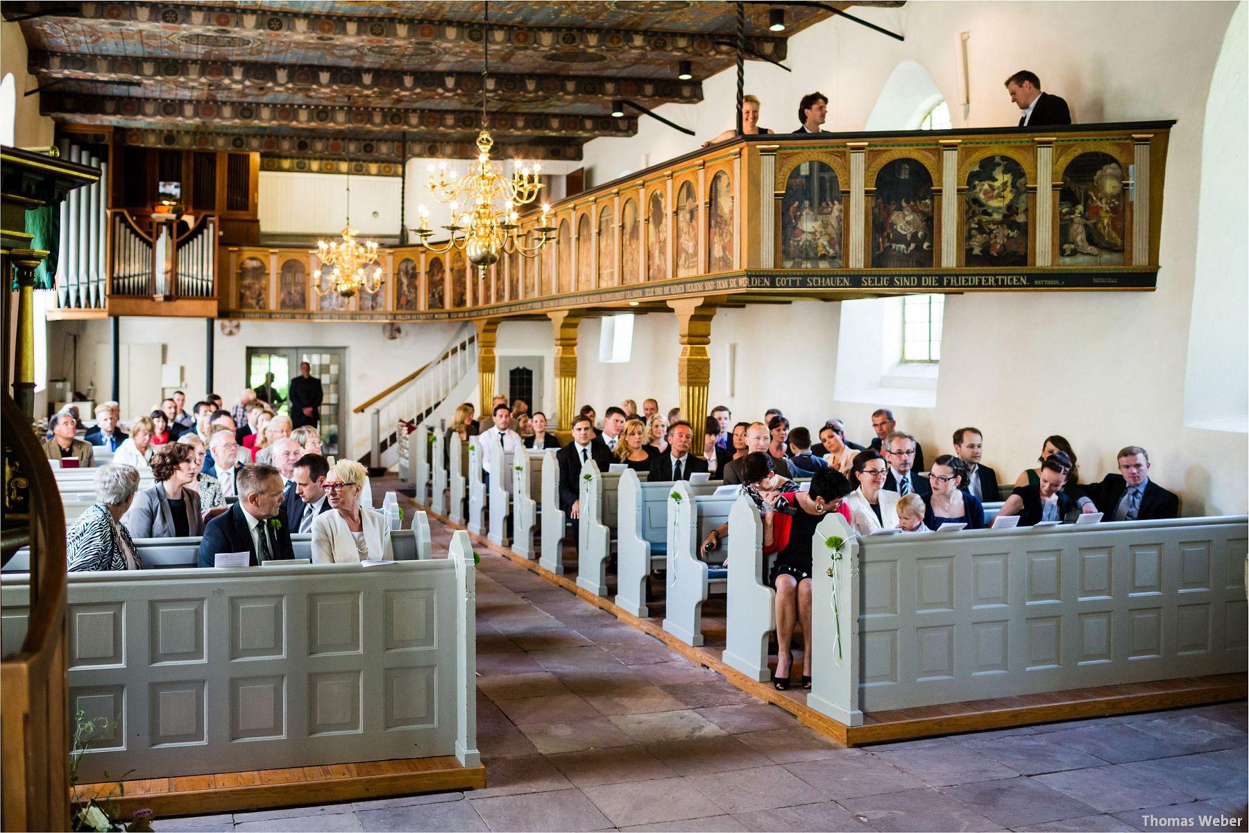 Hochzeitsfotograf Papenburg: Standesamtliche Trauung auf der Burg Kniphausen und Feier im Le Patron am Meer (26)