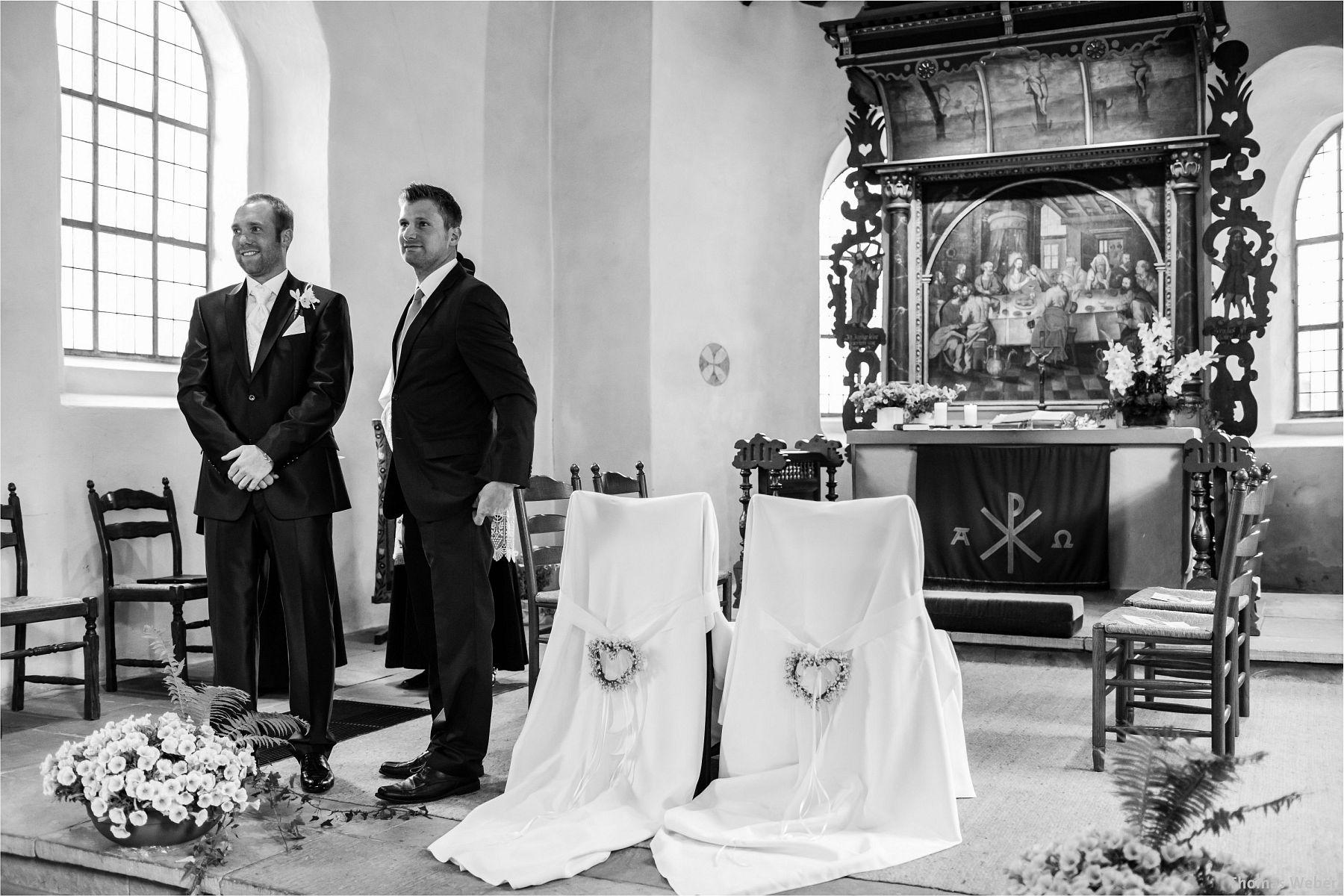 Hochzeitsfotograf Papenburg: Standesamtliche Trauung auf der Burg Kniphausen und Feier im Le Patron am Meer (27)