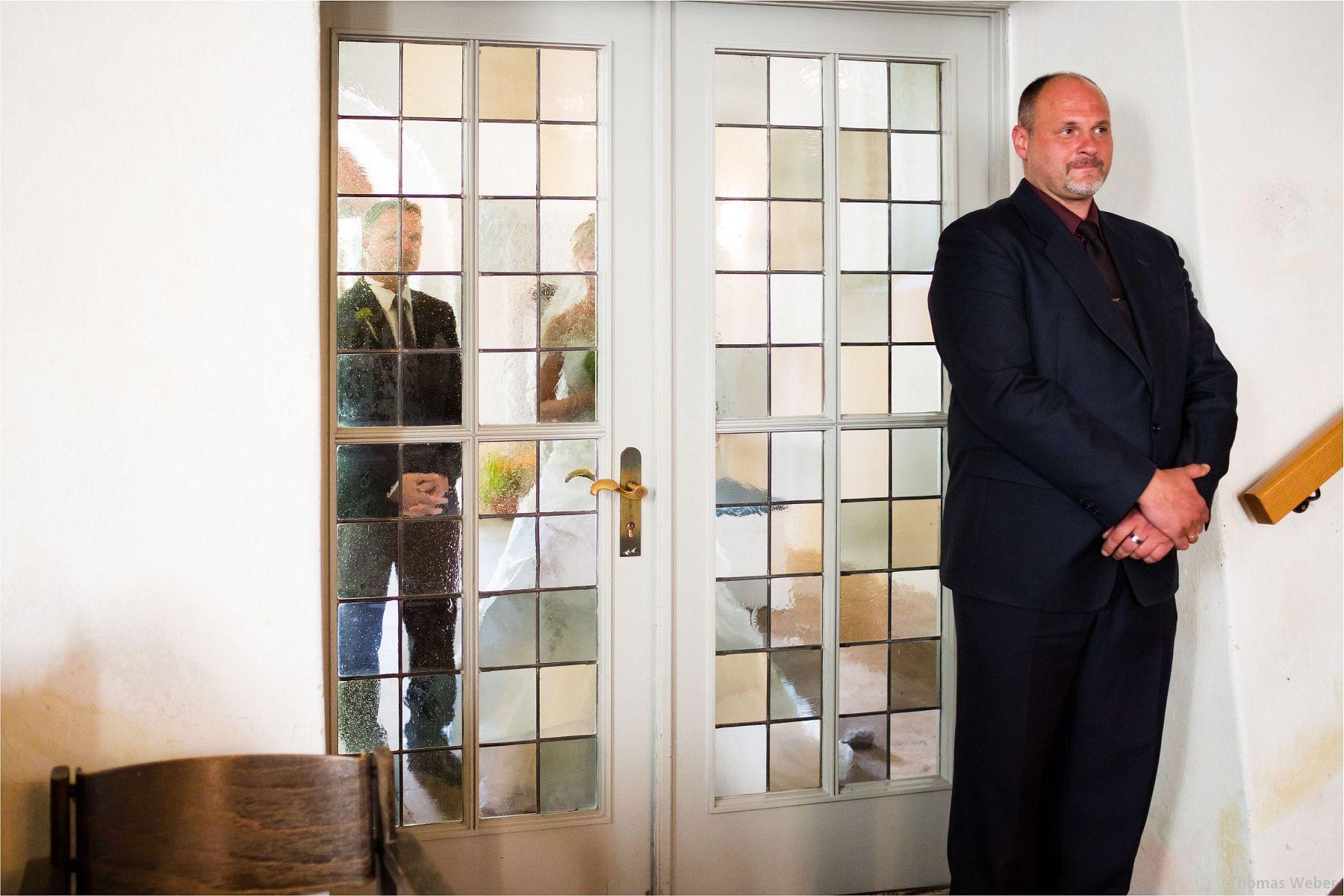 Hochzeitsfotograf Papenburg: Standesamtliche Trauung auf der Burg Kniphausen und Feier im Le Patron am Meer (28)