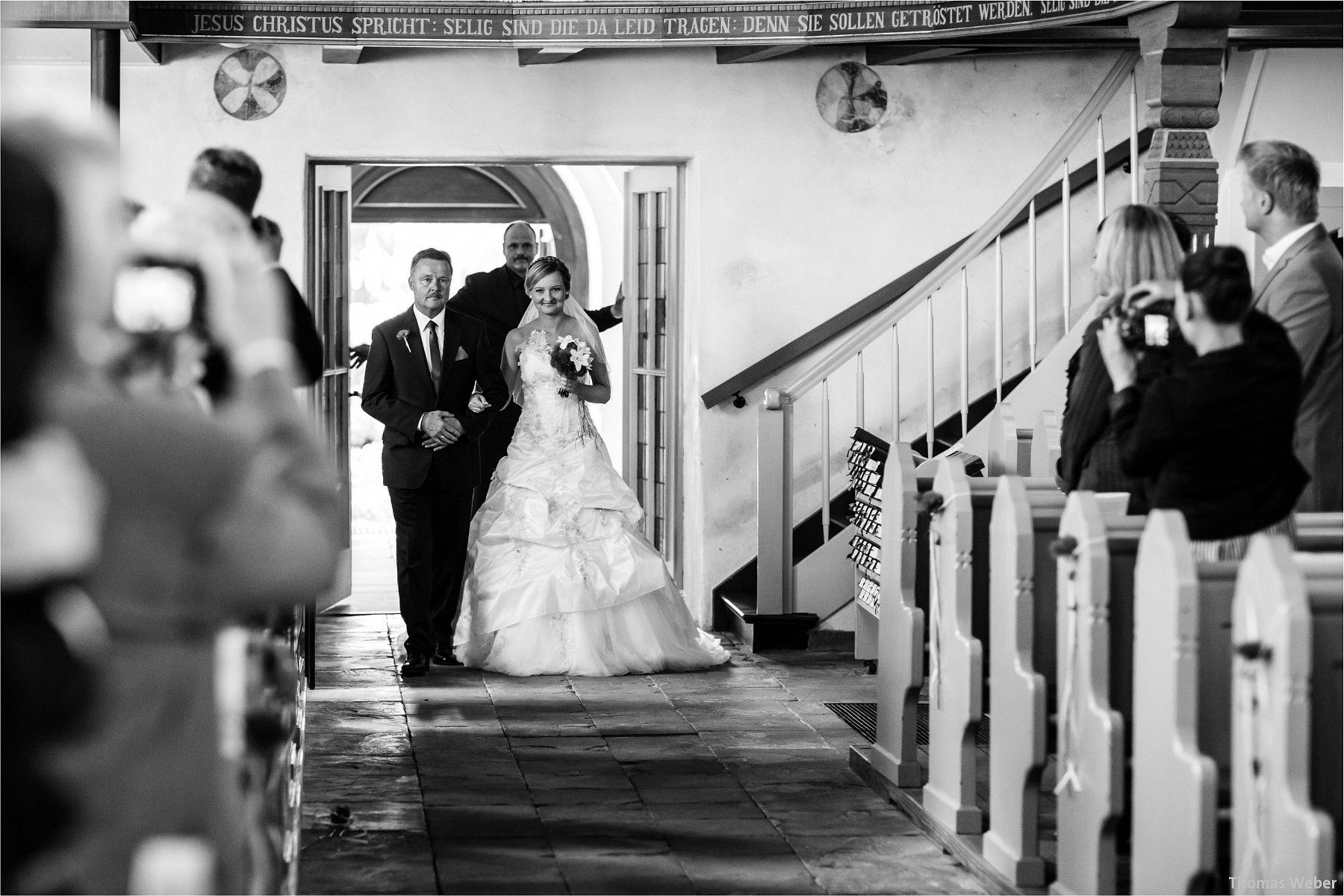 Hochzeitsfotograf Papenburg: Standesamtliche Trauung auf der Burg Kniphausen und Feier im Le Patron am Meer (29)
