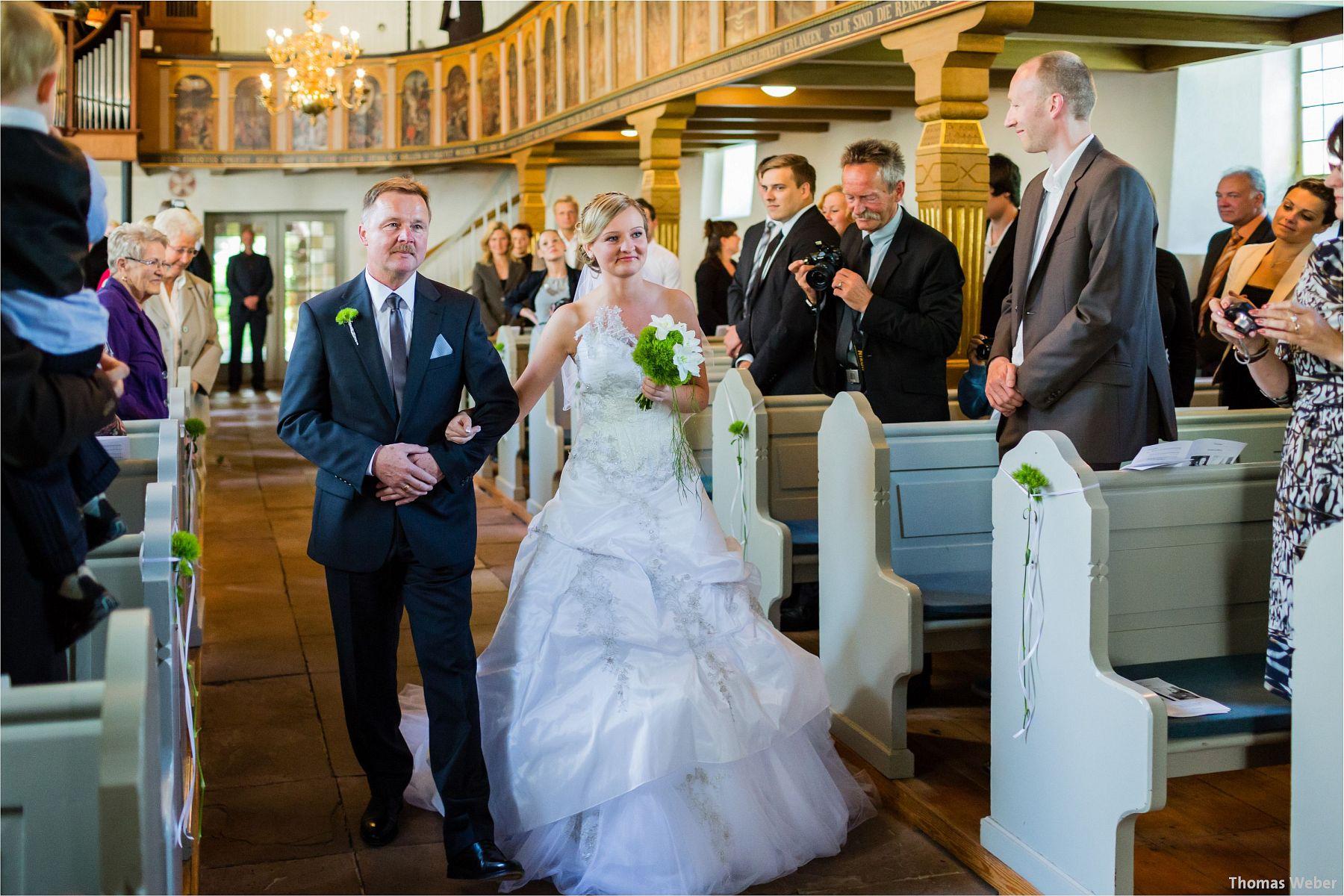 Hochzeitsfotograf Papenburg: Standesamtliche Trauung auf der Burg Kniphausen und Feier im Le Patron am Meer (30)