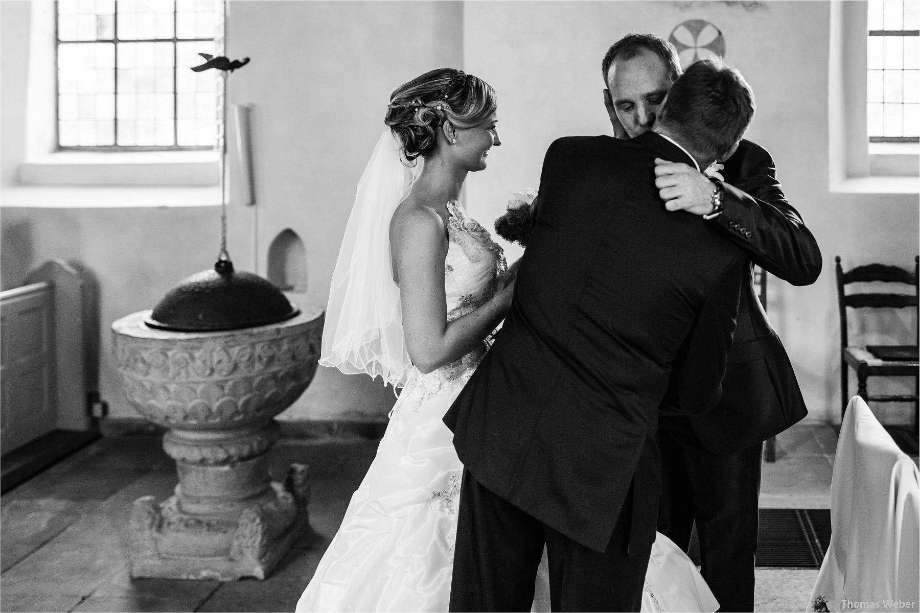 Hochzeitsfotograf Papenburg: Standesamtliche Trauung auf der Burg Kniphausen und Feier im Le Patron am Meer (31)