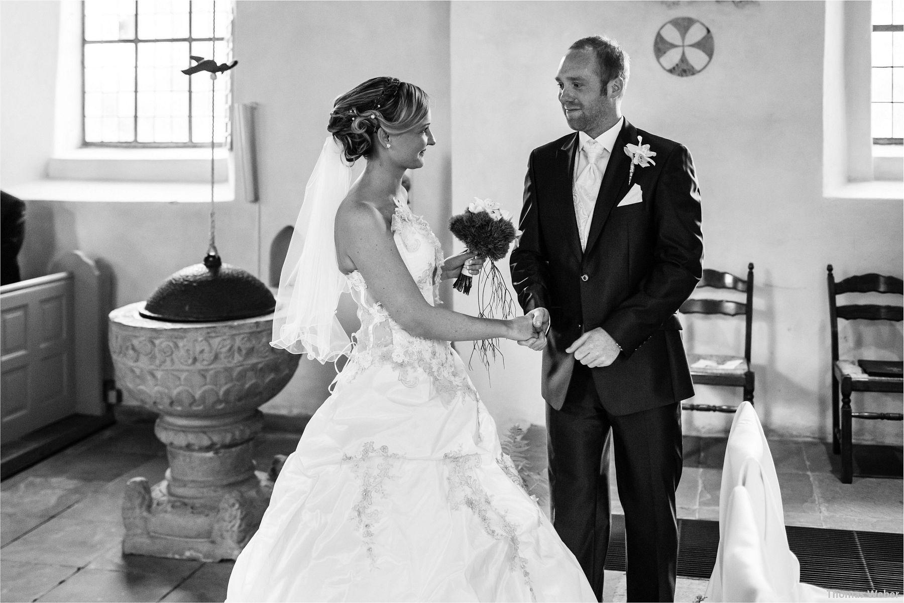 Hochzeitsfotograf Papenburg: Standesamtliche Trauung auf der Burg Kniphausen und Feier im Le Patron am Meer (32)