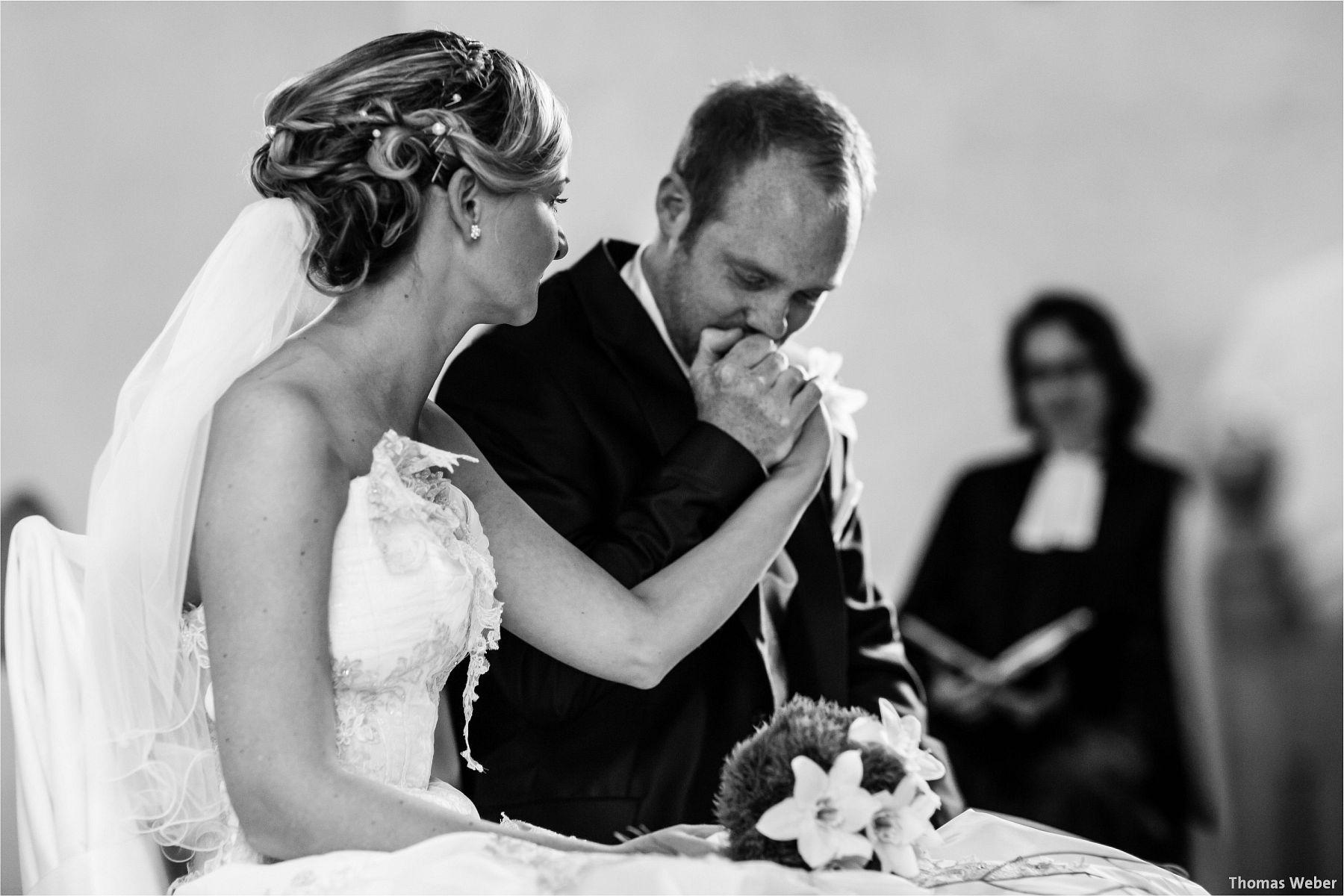Hochzeitsfotograf Papenburg: Standesamtliche Trauung auf der Burg Kniphausen und Feier im Le Patron am Meer (37)