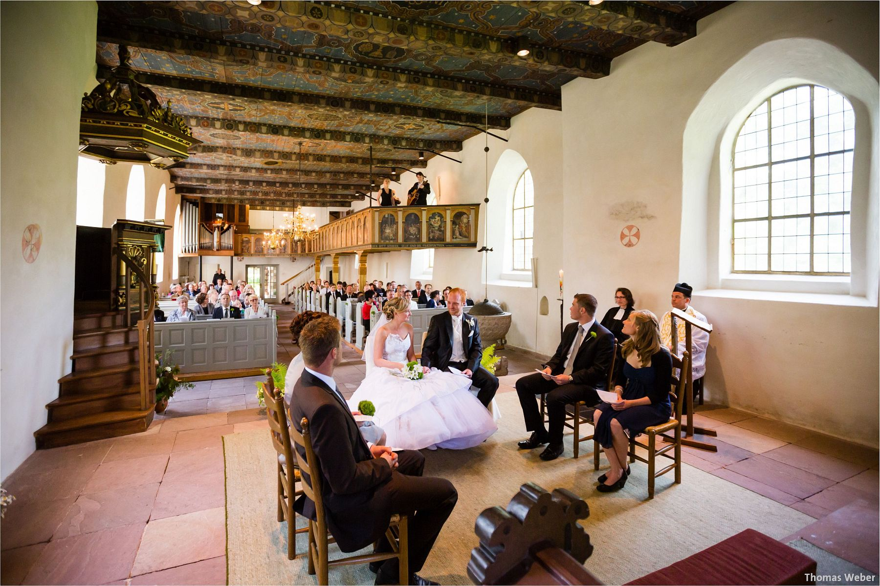 Hochzeitsfotograf Papenburg: Standesamtliche Trauung auf der Burg Kniphausen und Feier im Le Patron am Meer (38)